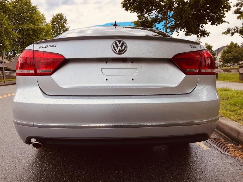 Volkswagen Passat 2013 price $13,888