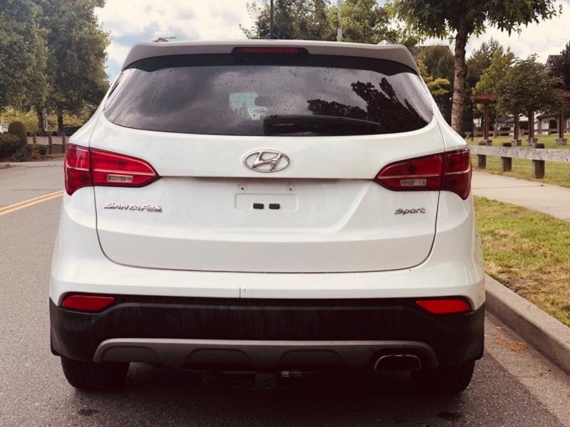 Hyundai Santa Fe Sport 2015 price $13,888