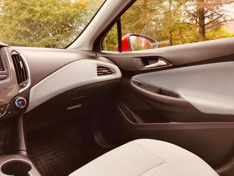 Chevrolet Cruze 2019 price $16,888