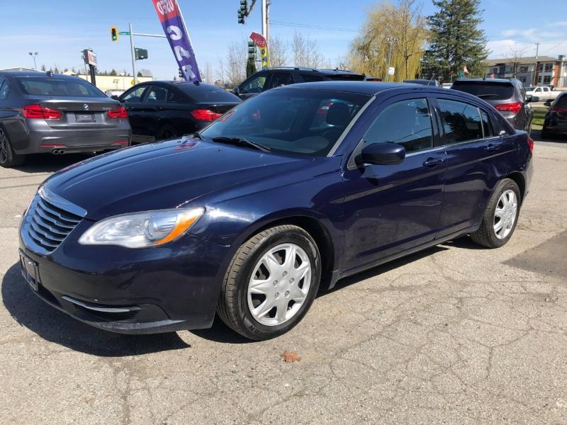 Chrysler 200 2014 price $5,888