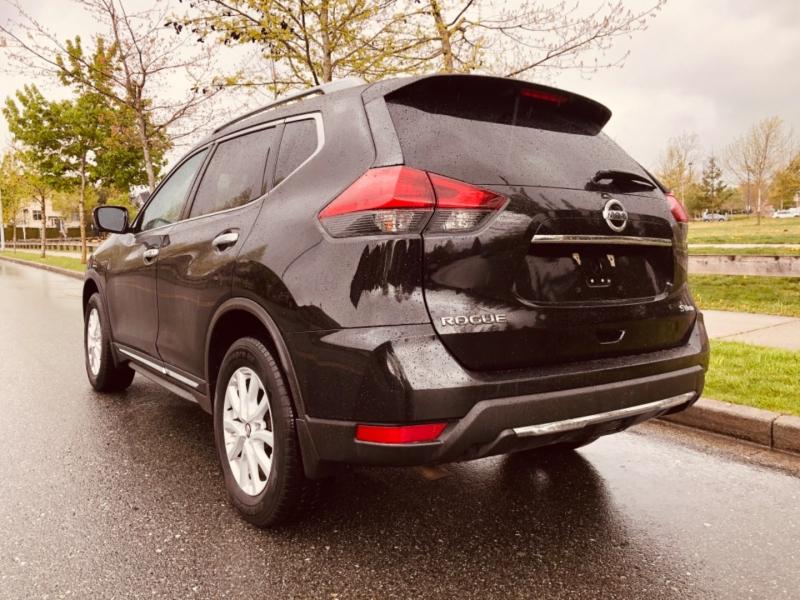 Nissan Rogue 2017 price $22,888