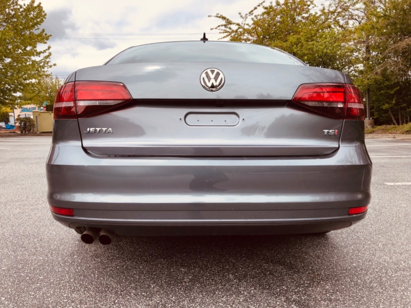 Volkswagen Jetta 2017 price $12,888