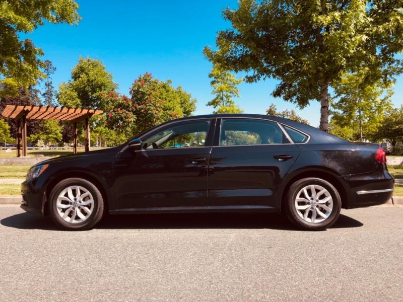 Volkswagen Passat 2018 price $15,888
