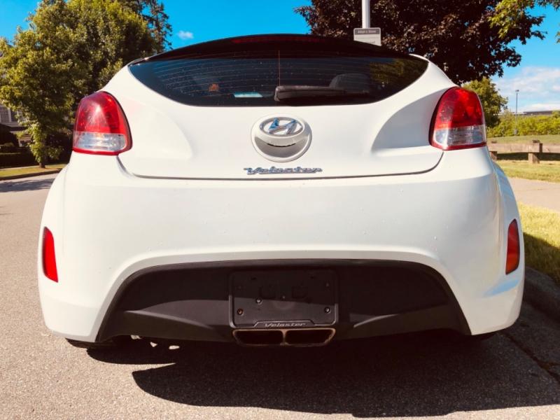 Hyundai Veloster 2016 price $11,888