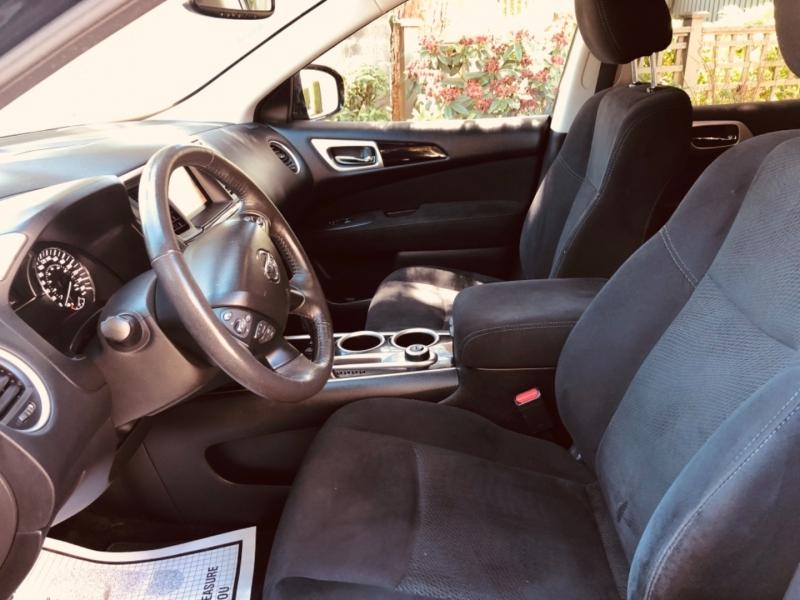 Nissan Pathfinder 2016 price $17,888