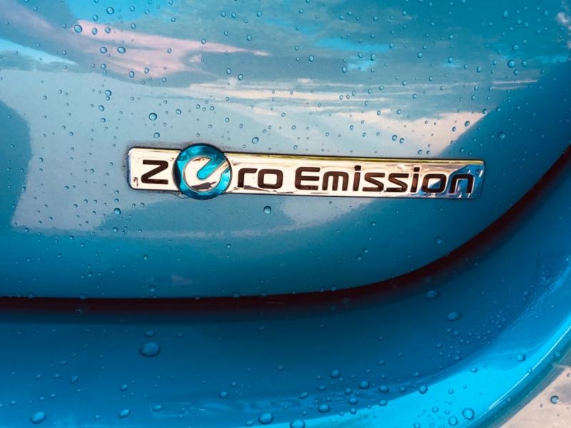 Nissan LEAF 2011 price $9,888