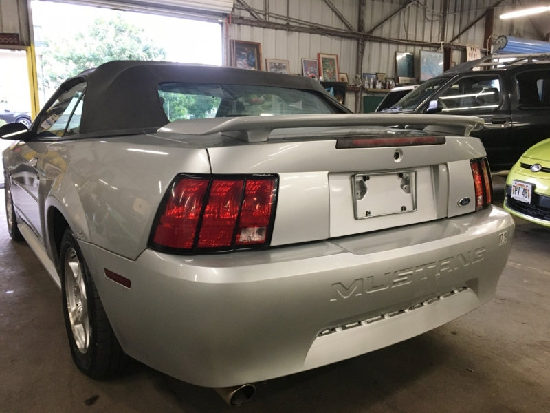 Ford Mustang 2004 price $2,995