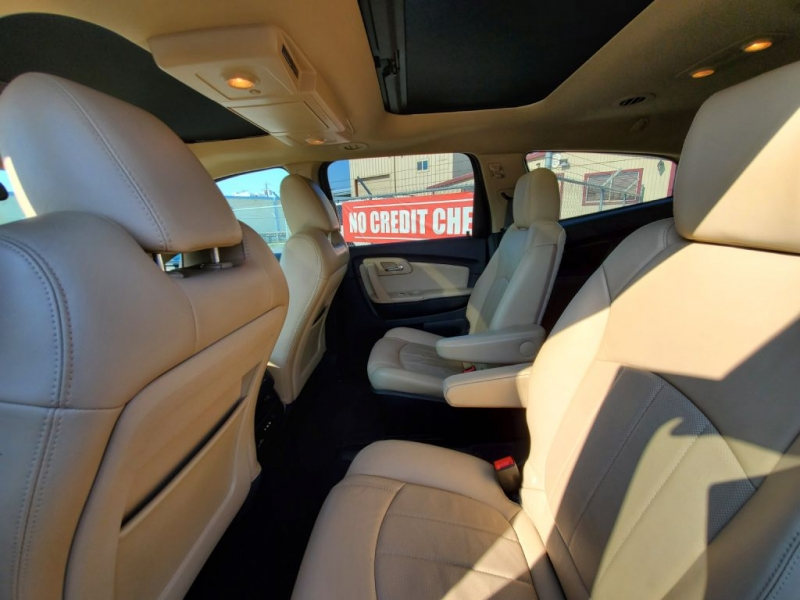 CHEVROLET TRAVERSE 2012 price $15,995