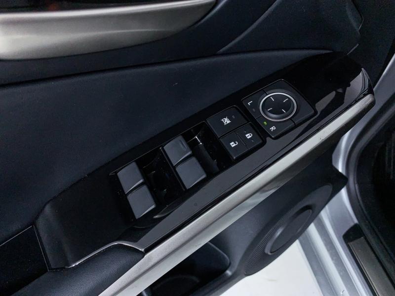 Lexus IS 2017 price $25,500