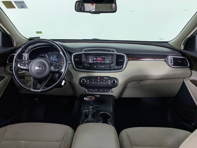 Kia Sorento 2016 price $11,748