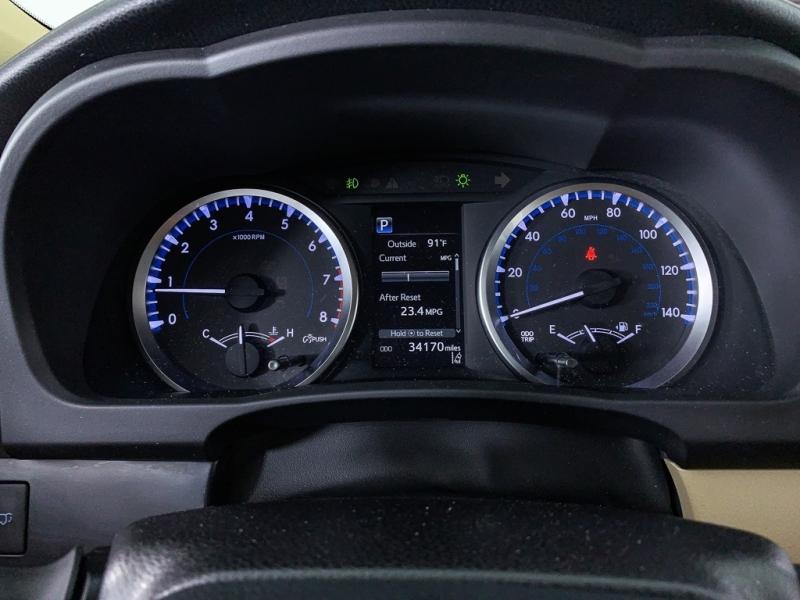 Toyota Highlander 2018 price $25,860