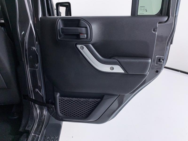 Jeep Wrangler 2017 price $32,240