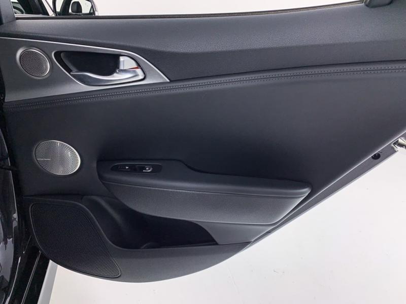 Kia Stinger 2019 price $36,950