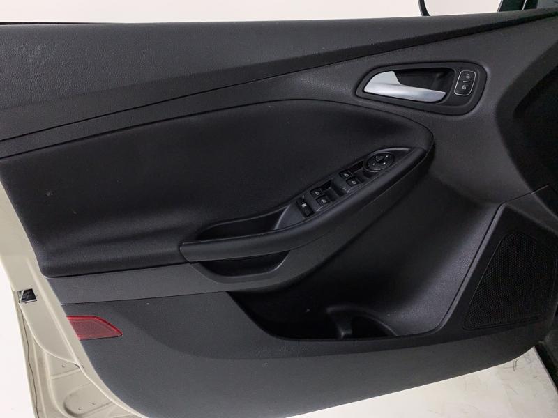 Ford Focus 2018 price $9,678