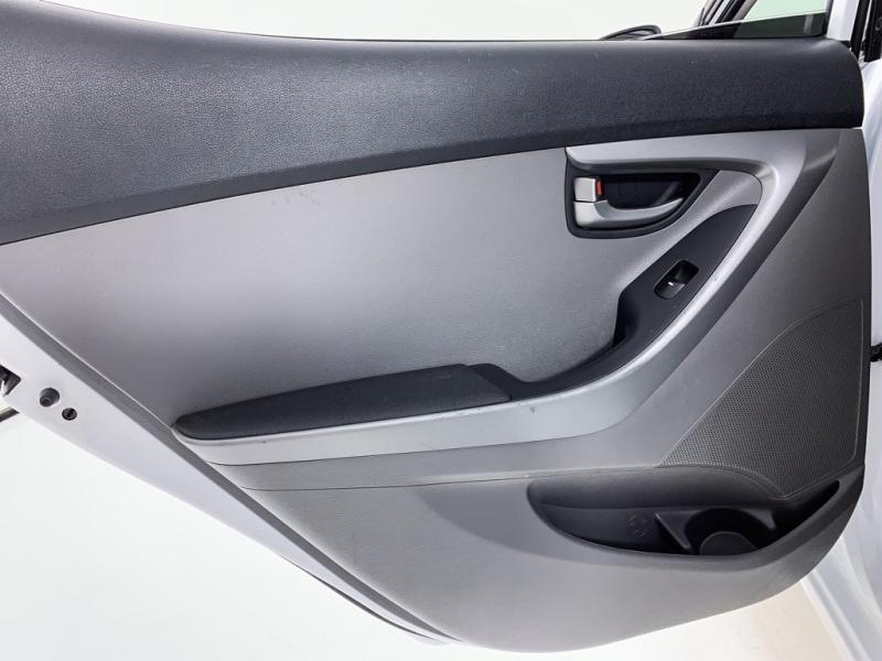 Hyundai Elantra 2016 price $8,479