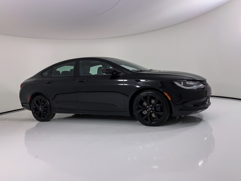Chrysler 200 2015 price $13,959