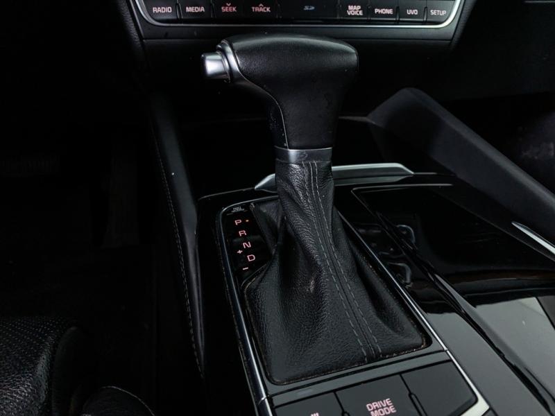 Kia Cadenza 2017 price $21,475