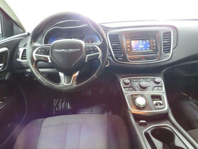 Chrysler 200 2016 price $7,995