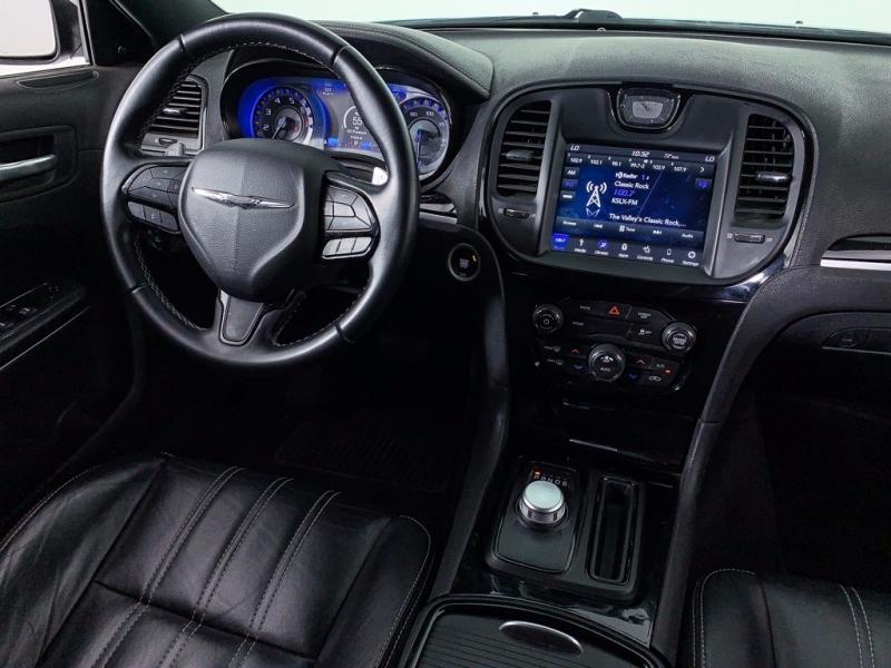 Chrysler 300 2018 price $19,500