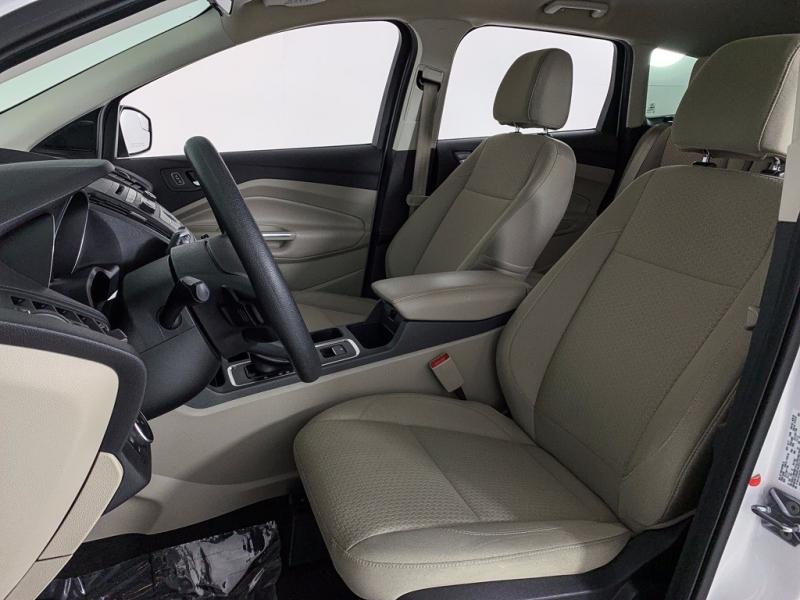 Ford Escape 2017 price $14,475