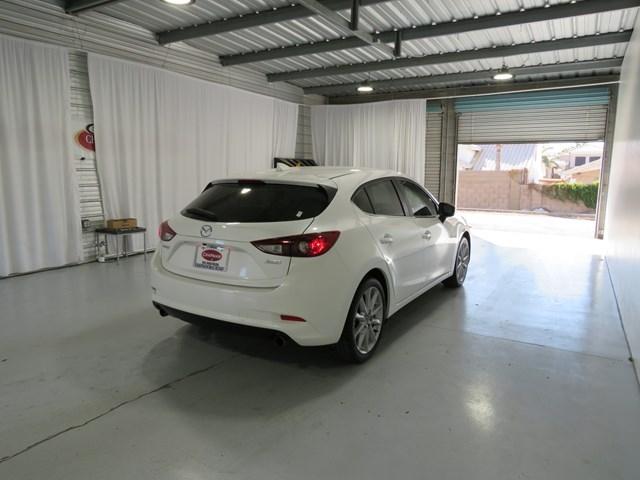 Mazda MAZDA3 2017 price $19,271