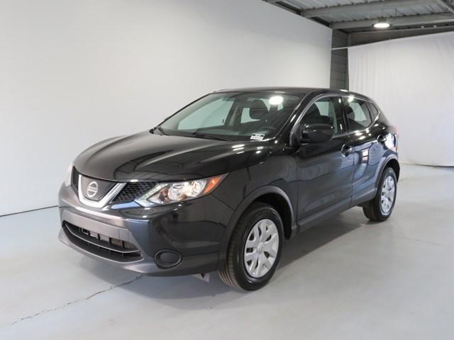 Nissan Rogue Sport 2019 price $14,993