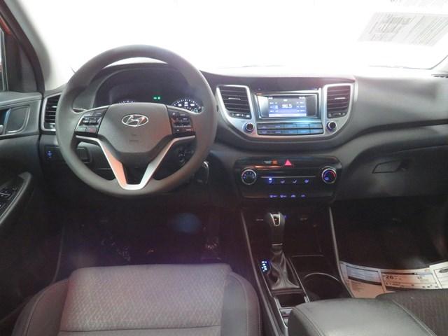 Hyundai Tucson 2017 price $15,991