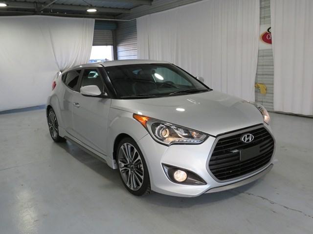 Hyundai Veloster 2017 price $12,991