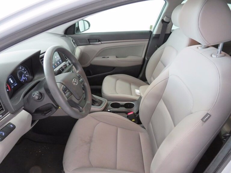 Hyundai Elantra 2018 price $13,991