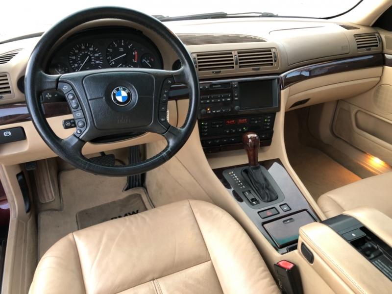 BMW 7-Series 2000 price $6,990