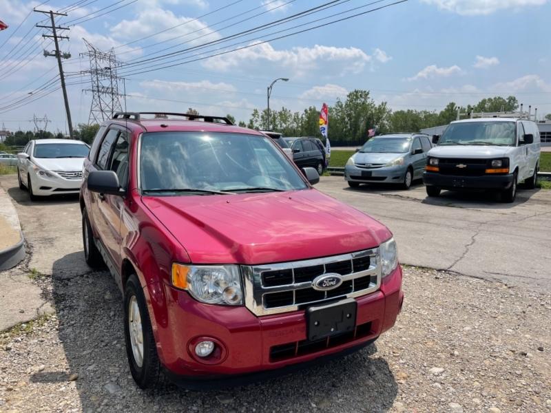 Ford ESCAPE 2010 price $8,999