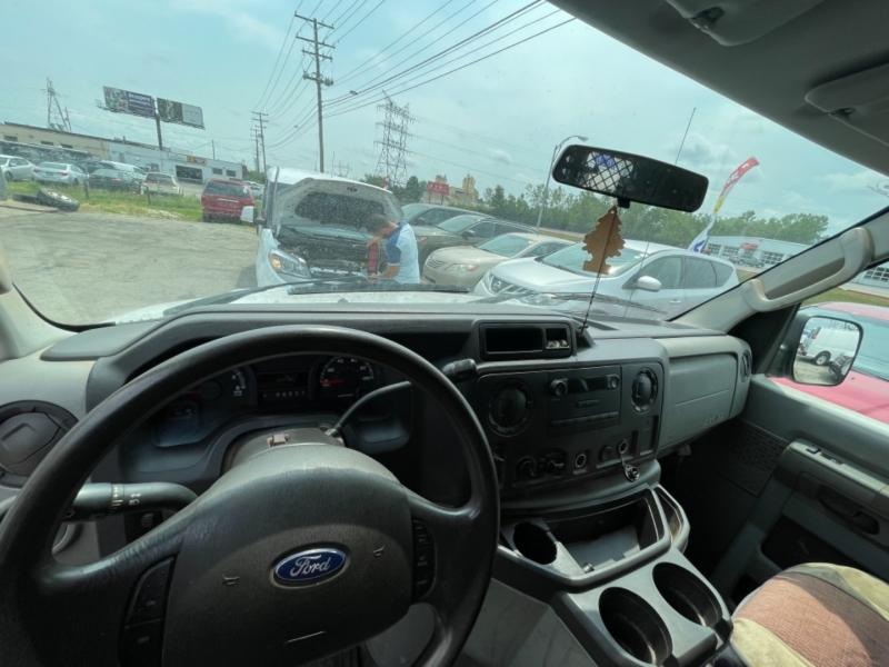 Ford ECONOLINE 2009 price $12,900
