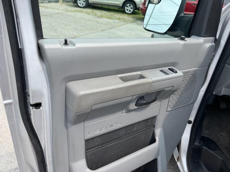 Ford ECONOLINE 2011 price $12,900