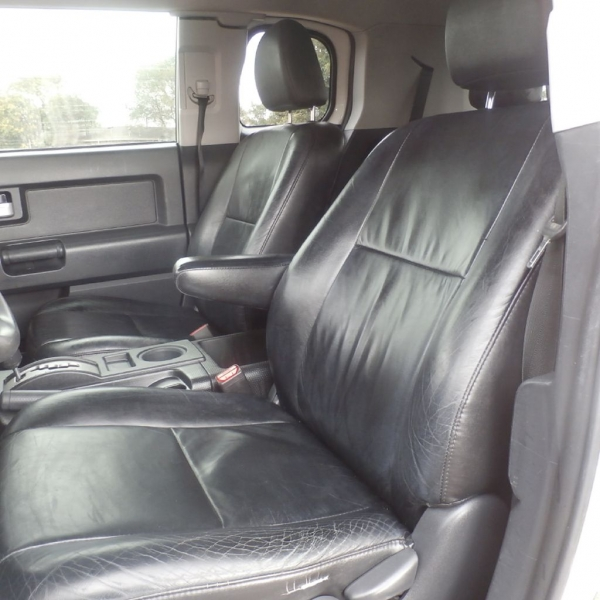 TOYOTA FJ CRUISER 2013 price $21,900