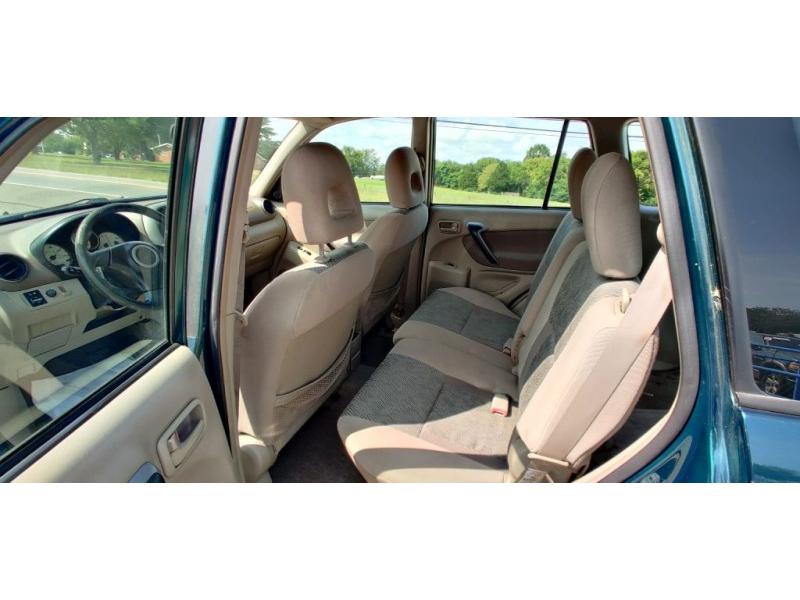 Toyota RAV4 2003 price $3,499