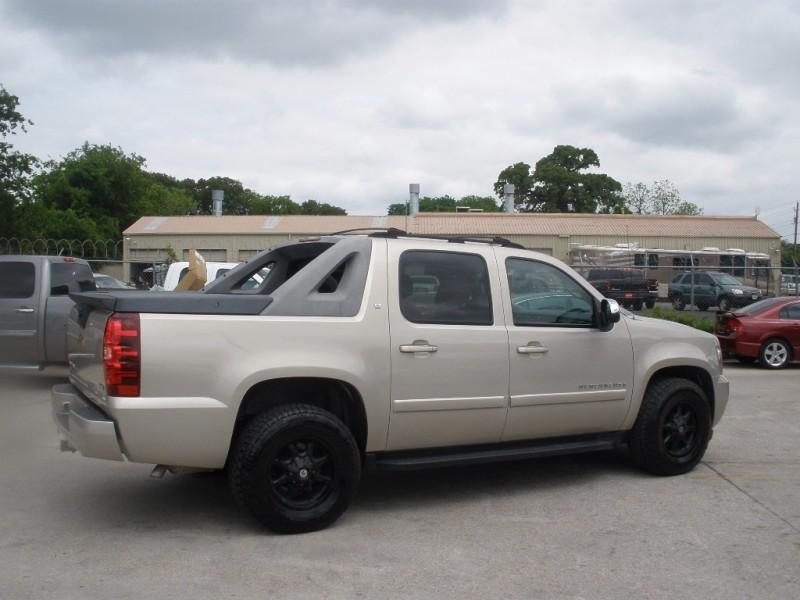 Chevrolet Avalanche 2007 price $14,000