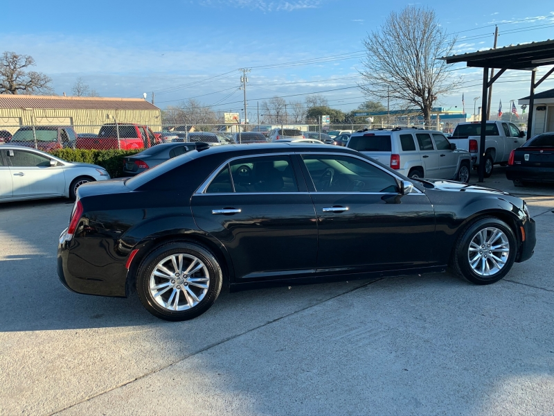 Chrysler 300 2015 price $15,500