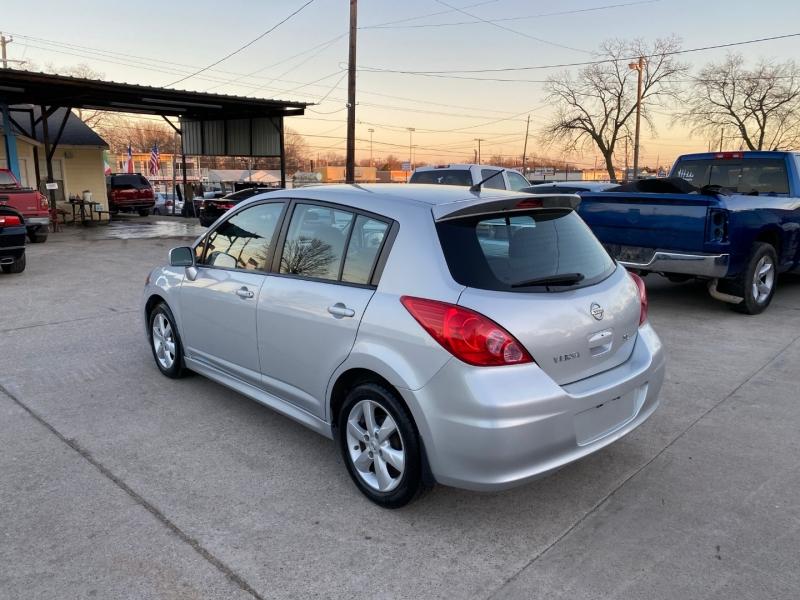 Nissan Versa 2011 price $6,000