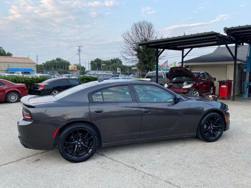 Dodge Charger 2017 price $24,500
