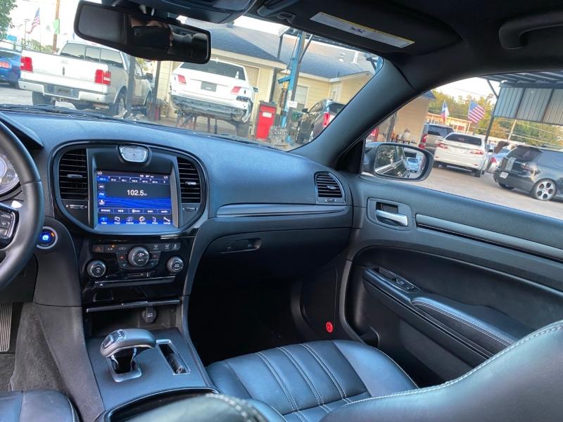 Chrysler 300 2013 price $17,500