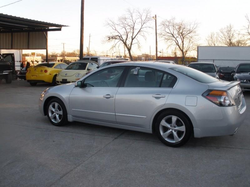 Nissan Altima 2008 price $6,000