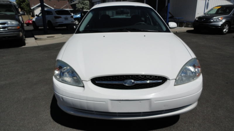 Ford Taurus 2003 price $3,950