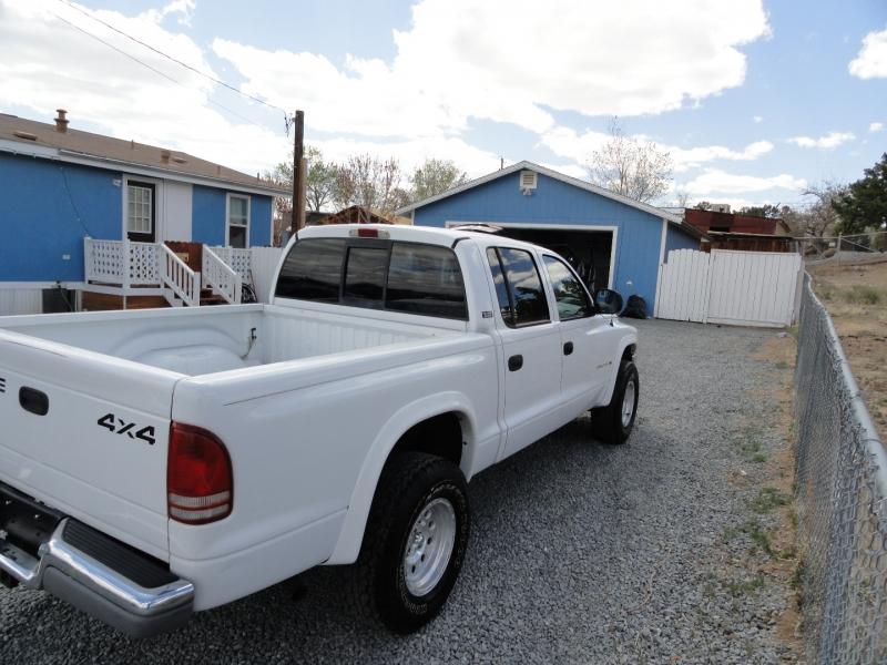 Dodge Dakota 2000 price $8,950
