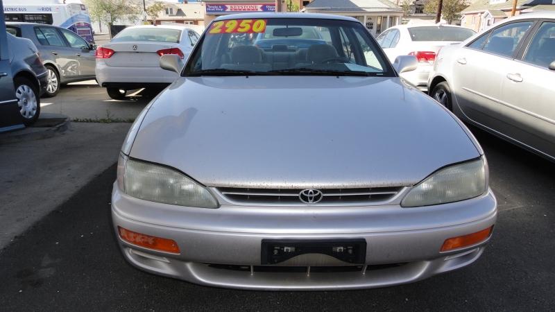 Toyota Camry 1996 price $2,950
