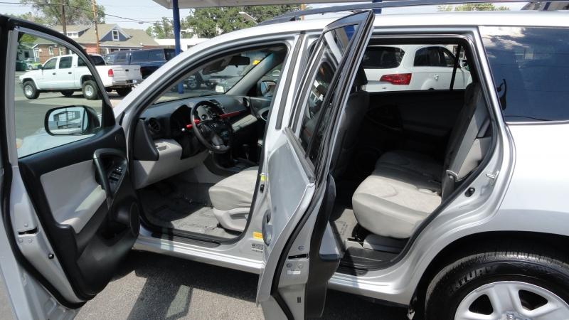 Toyota RAV4 2011 price $9,950