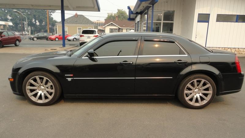 Chrysler 300 2006 price $13,950