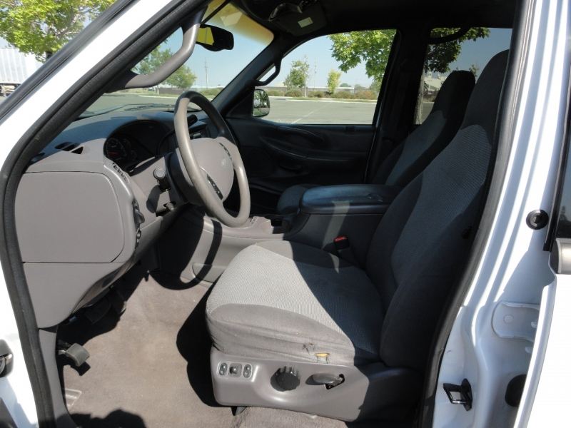 Ford Expedition 2002 price $3,950