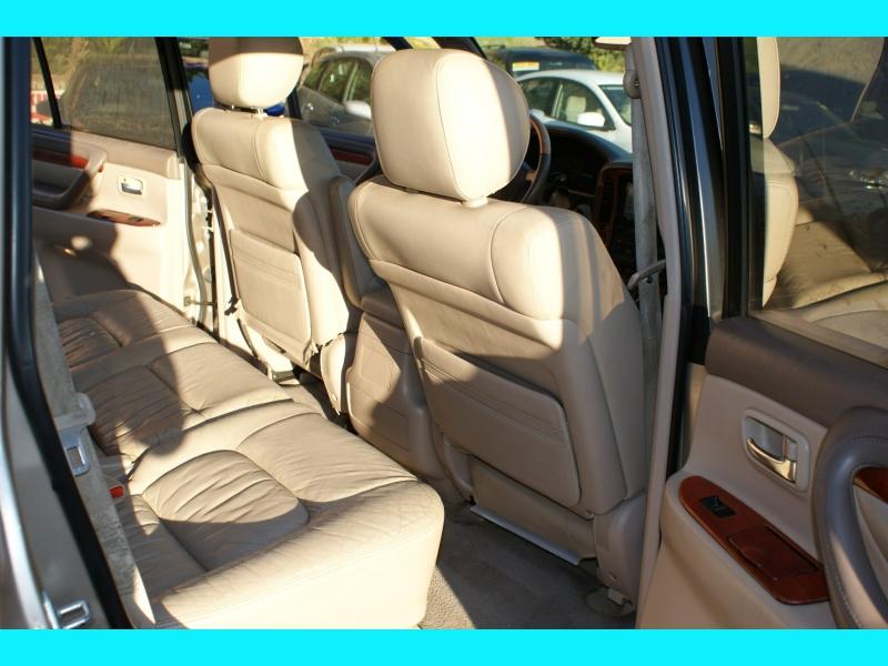 Lexus LX 470 2000 price $9,995