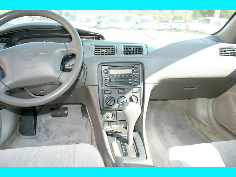 Toyota Camry 2000 price $4,995