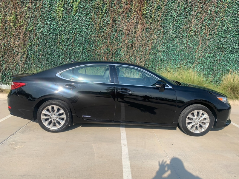 Lexus ES 300h 2014 price $14,025